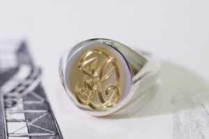 【Semi-custom made】Hand Engraved Brass×Silver Combination Signet Ring(L) 「DH」_thumbnail
