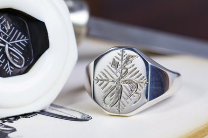 【Semi-custom made】Hand Engraved Octagon Signet Ring(Sv925) 「若、松の葉模様」_thumbnail
