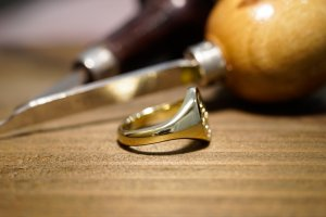【Semi-custom made】Hand Engraved Oval Signet Ring(Brass) 「SM」_8