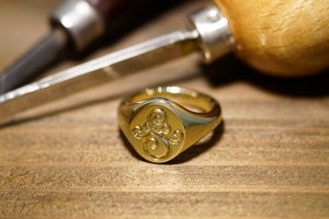 【Semi-custom made】Hand Engraved Oval Signet Ring(Brass) 「SM」_12