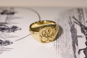 【Bespoke Order】Hand Engraved Mellow Square Signet Ring(18ct Yellow Gold) 「SO」_10