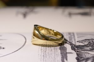 【Bespoke Order】Hand Engraved Mellow Square Signet Ring(18ct Yellow Gold) 「SO」_4