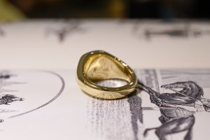 【Bespoke Order】Hand Engraved Mellow Square Signet Ring(18ct Yellow Gold) 「SO」_5