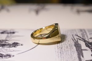 【Bespoke Order】Hand Engraved Mellow Square Signet Ring(18ct Yellow Gold) 「SO」_9