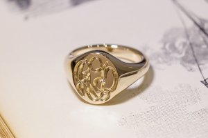 【Semi-custom made】The My Way×KUBUS Hand Engraved Oval Signet Ring(9ct Yellow Gold) RO5_完成1