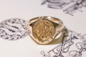 【Semi-custom made】Hand Engraved Oval Signet Ring(9ct Yellow Gold) 「DN」_6