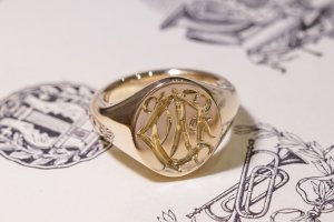 【Semi-custom made】Hand Engraved Oval Signet Ring(9ct Yellow Gold) 「DN」_7