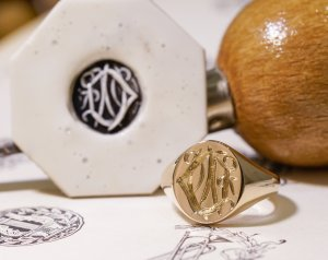 【Semi-custom made】Hand Engraved Oval Signet Ring(9ct Yellow Gold) 「DN」_8