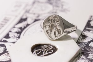 【Semi-custom made】Hand Engraved Oval Signet Ring(Sv925) 「RS」_3