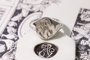 【Semi-custom made】Hand Engraved Oval Signet Ring(Sv925) 「RS」_4