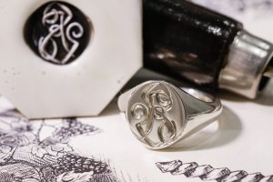 【Semi-custom made】Hand Engraved Oval Signet Ring(Sv925) 「RS」_7