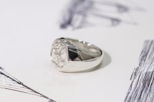 【Bespoke Order】Hand Engraved Circle Signet Ring(Sv925)「S」_6