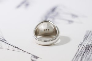 【Bespoke Order】Hand Engraved Circle Signet Ring(Sv925)「S」_9