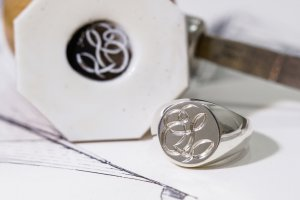 【Bespoke Order】Hand Engraved Circle Signet Ring(Sv925)「S」
