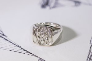 【Bespoke Order】Hand Engraved Curvaceous Square Signet Ring(Sv925)「SSSR」_7