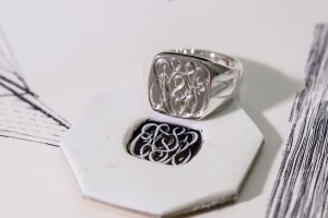 【Bespoke Order】Hand Engraved Curvaceous Square Signet Ring(Sv925)「SSSR」_4