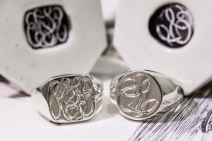 【Bespoke Order】Hand Engraved Circle Signet Ring「S」&Curvaceous Square Signet Ring「SSSR」(Sv925)_thumbnail