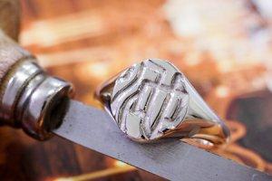 【Semi-custom made】Hand Engraved Oval Signet Ring(Sv925) 「KANJI-池」