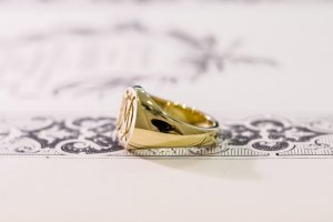 【Bespoke Order】Hand Engraved Circle Signet Ring(18ct Yellow Gold)「MD」_9