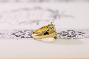【Bespoke Order】Hand Engraved Circle Signet Ring(18ct Yellow Gold)「MD」_14