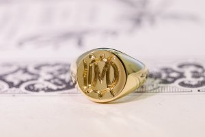 【Bespoke Order】Hand Engraved Circle Signet Ring(18ct Yellow Gold)「MD」_5