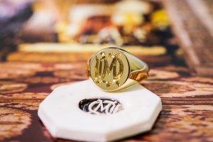 【Bespoke Order】Hand Engraved Circle Signet Ring(18ct Yellow Gold)「MD」_2
