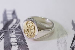 【Semi-custom made】Hand Engraved Brass×Silver Combination Signet Ring(L) 「DH」_4