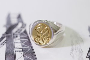 Hand Engraved Brass×Silver Combination Signet Ring(L) 「DH」_完成2