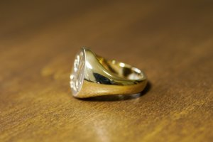 【Bespoke Order】Hand Engraved Big Oval Signet Ring(18ct Yellow Gold)「HL」_4