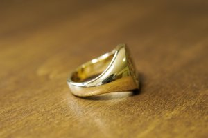 【Bespoke Order】Hand Engraved Big Oval Signet Ring(18ct Yellow Gold)「HL」_9