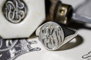 【Semi-custom made】Glayage KYOTO×KUBUS Hand Engraved Oval Signet Ring(Sv925) 「KS」