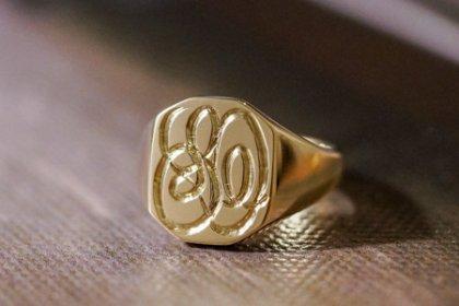 【Semi-custom made】Hand Engraved Octagon Signet Ring(9ct Gold) 「SO」_thumbnail