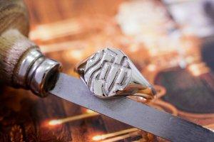 【Semi-custom made】Hand Engraved Oval Signet Ring(Sv925) 「KANJI-池」_完成1