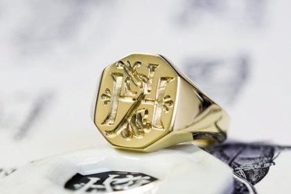 【Semi-custom made】Hand Engraved Octagon Signet Ring(18ct Yellow Gold(K18YG)) 「KH」_thumbnail